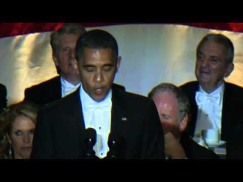 Mitt Romney and Barack Obama trade jokes at Alfred E Smith Dinner in New York