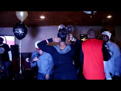 Girl Twerk for J.Juice Live New Year 2016 @ T&T Bar and Grill