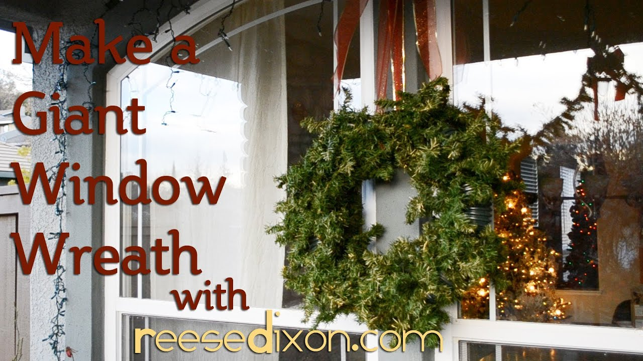 make a christmas window wreath