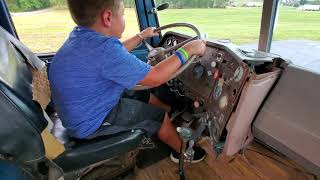10 Year Old Kid Shifts Gears In 13 Speed With No Cluch MUST SEE