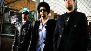 Soulive and Robert Randolph  -  Crosstown Traffic
