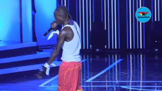 Patapaa performs with Germany girlfriend at Ghana Meets Naija