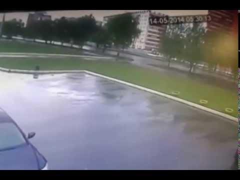 ВАЗ 21099 влетел в столб уходя от полицейской погони в Йошкар-Оле