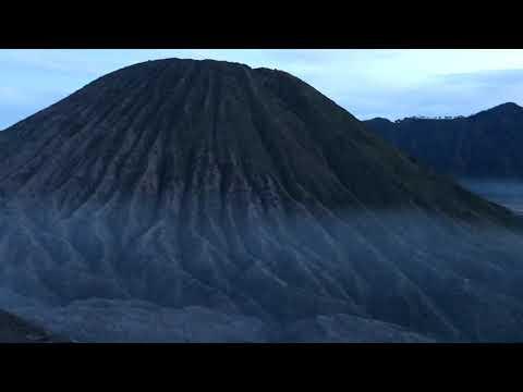 ascension-du-volcan-bromo-à-java---indonésie-🇮🇩