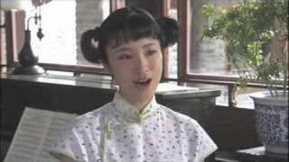 上戸彩演じる李香蘭がドラマ「李香蘭」(テレビ東京)の中で最初に歌った...