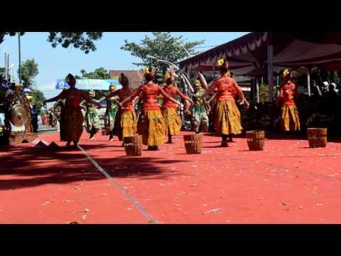 Tari Gandek Parade Budaya Banjarnegara 2016