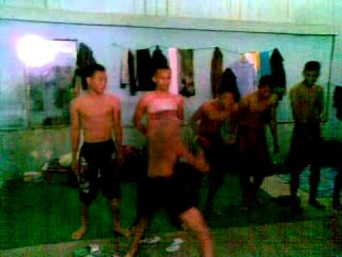 Kekerasan Lucu Casis Bintara dari Pangkalanbun TNI AD 2010 - Pelatih dihajar