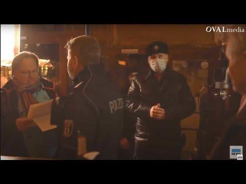 Polizei löst Parteigründung von Corona-Maßnahmen-Kritikern in Berlin auf.