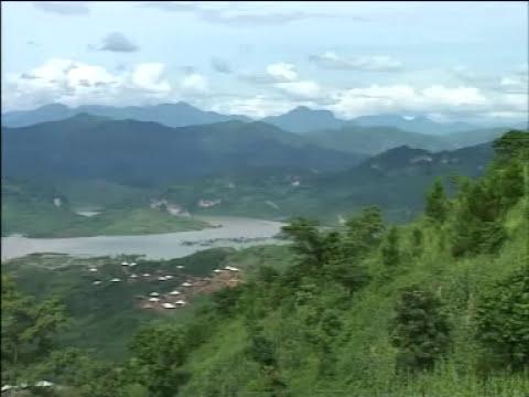 Quỳnh Nhai bên Sông Đà