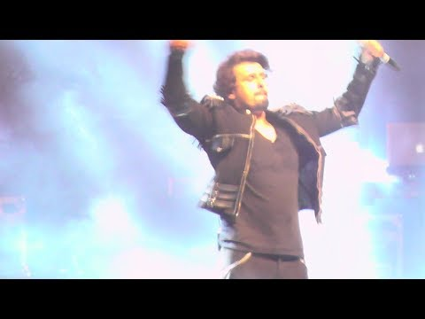MASTI: ♫ Phir Milenge Chalte Chalte ♫ - Energetic Performace by Sonu Nigam in the Netherlands 2018