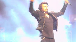 Gambar cover MASTI: ♫ Phir Milenge Chalte Chalte ♫ - Energetic Performace by Sonu Nigam in the Netherlands 2018