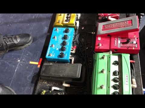 Exclusive Steve Hackett Pedalboard Demo