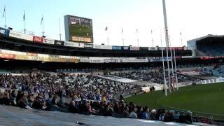 Australian Football / Австралийский футбол(Ходили на матч вчера :) Мне понравилось! Фанаты очень страстно болеют за свои команды, и .......... сидят все..., 2011-06-27T06:08:25.000Z)