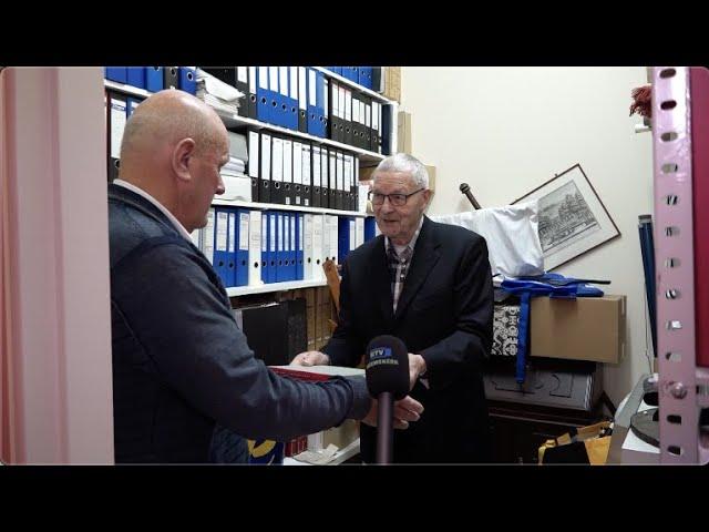 Overdracht archief Piet Castricum aan ADO'20