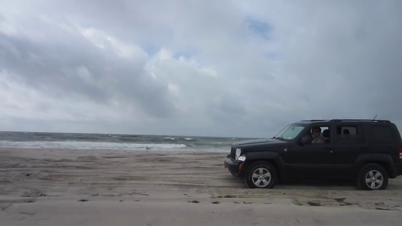 dodge nitro  jeep liberty  road beach driving youtube