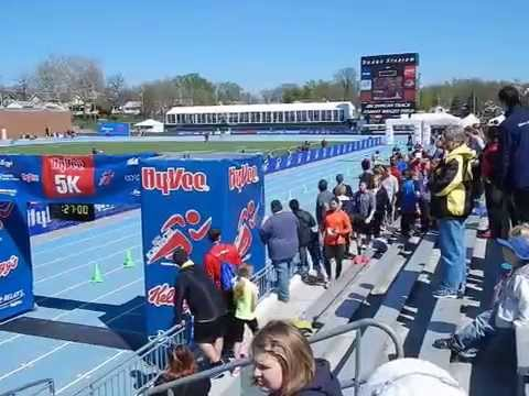 Hy-Vee Road Races 5K Finish Line Movie #1-at the Drake Relays 2015