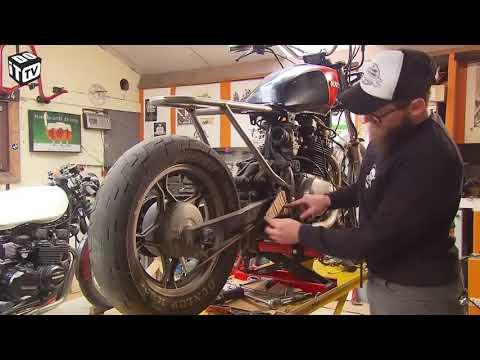 Độ Suzuki phong cách Cafe Racer đúng chuẫn Tây ! Phần 1