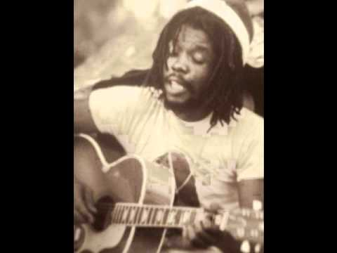Peter Tosh - Pick Myself Up (acoustic)