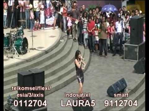 CINTA LAURA - YOU SAY AQ live from Ciwalk Bandung