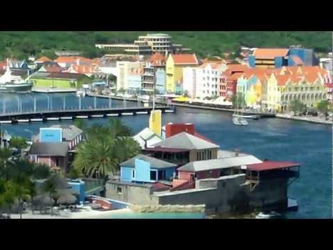 Curacao swinging bridge.