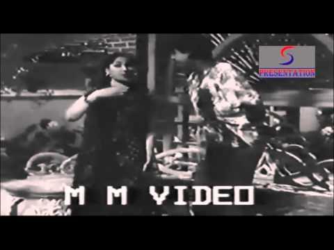Dekh Aasmaan Mein Chaand Muskuraye - Geeta Dutt, Kishore Kumar - SHARARAT - Meena Kumari