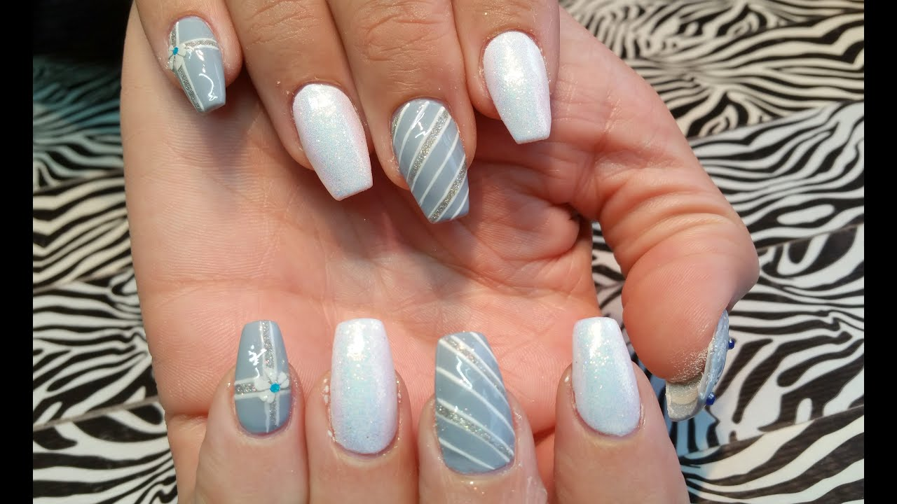 acrylic infill l grey & white winter christmas snowflake l nail