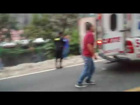 Villa Canales Bus Cae 20 Metros Y Deja 21 Personas Heridas