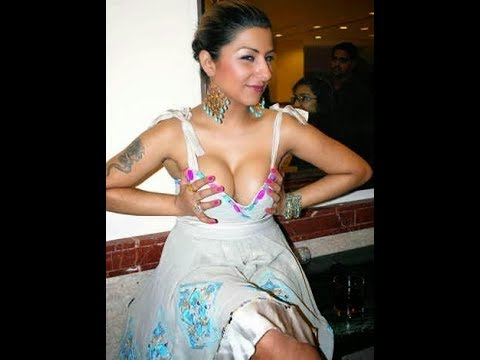 Download Top 10 Biggest Oops Moment of Bollywood Actresses