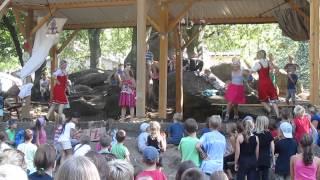 Russischer Volkstanz mit deutschen Kindern/Русский танец с немецкими детьми