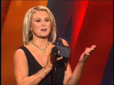 Carolyn Dawn Johnson Wins Country New Artist - 30th AMA 2003