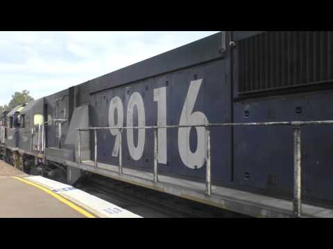 The Class 90 Locomotive - 3 locos 12000 Combined Horsepower!