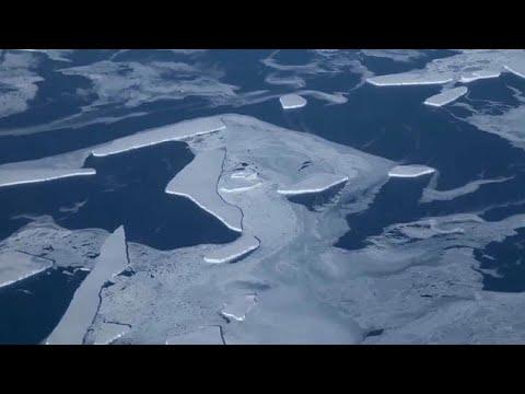 Icebergue ameaça aldeia na Gronelândia