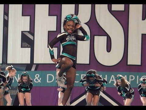 Cheer Extreme Chicago Believe Youth 4 Wins At Large Bid to Summit 2017