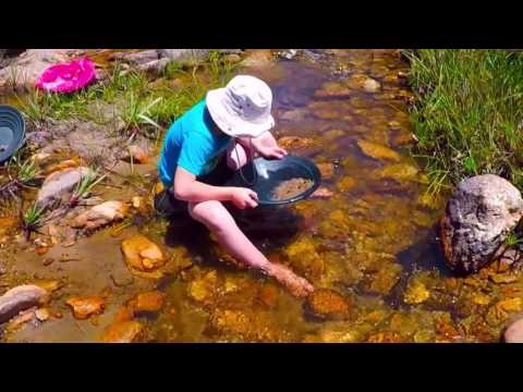 Gold Panning Botriver , Western Cape
