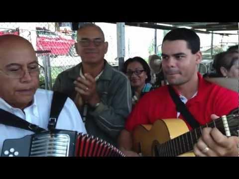 Décimas de las parrandas navideñas en Jayuya Puerto Rico.