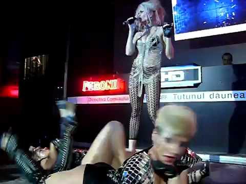 DJ RYNNO & SYLVIA SHOW TURABO 2009 - VANESSA