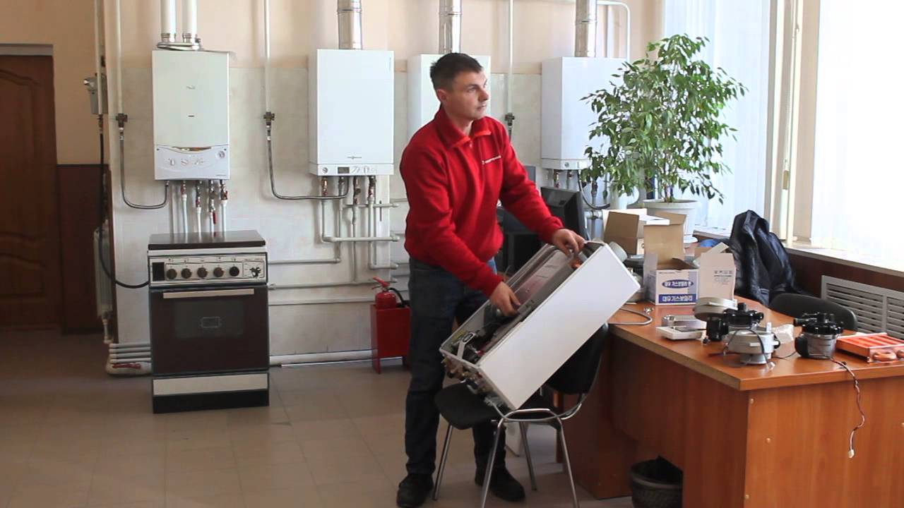 Котел газовый напольный предназначен для установки на пол или на специальную подставку. Обычно напольный отопительный агрегат характеризуется значительным весом, большой мощностью и высоким значением кпд. Корпус напольного газового котла изготавливается, как правило, из стали и.