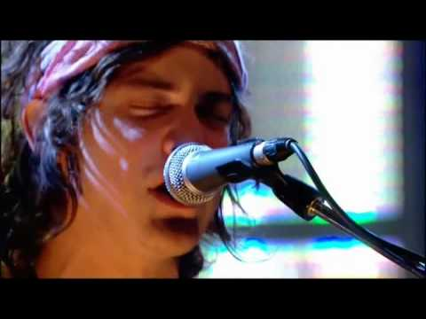 MGMT - Pieces Of What (Live Jools Holland 2008)