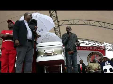 Oliver Mtukudzi Sings Neria at Morgan Tsvangirai Buhera Burial