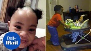 Two-year-old boy inherits white streak in his jet-black hair - Daily Mail thumbnail