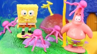 Nickelodeon Talking SpongeBob SquarePants Squidward & Patrick With Playset