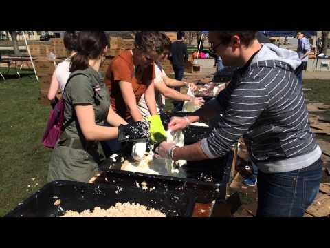 UW students break world record for largest Rice Krispie treat | The Badger Herald