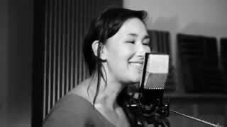 "Nive Nielsen sings ""Dear Leopold"" @ PotLuckCon - Cloud 44-A Ribbon Mic on Vocals"