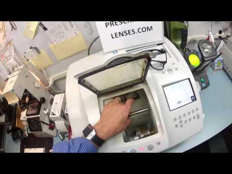 photochromic-transitional-lenses-in-a-rayban-2132-new-wayfarer