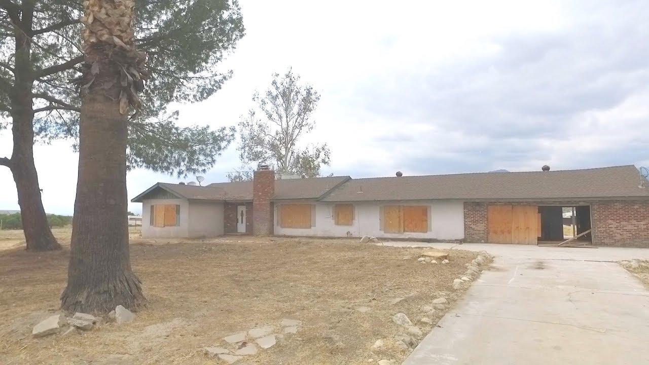 Abandoned Vacant Pool Home in Redlands, CA - San Bernardino Av, Redlands CA  92374 - Walkthrough