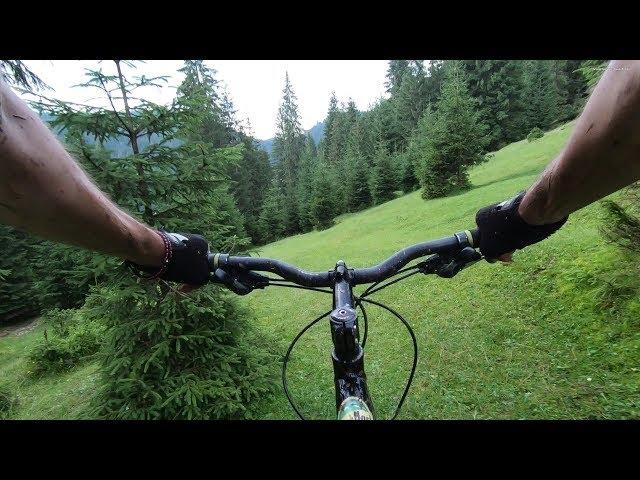 Aventuri pe bicicleta : Trailer