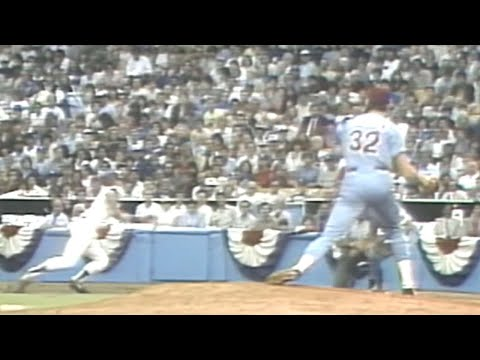 Steve Carlton Picks Off Steve Sax In The 1st