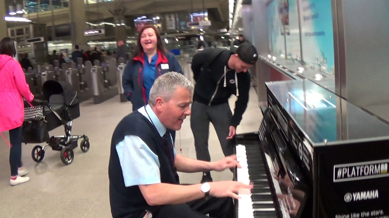Bus Driver's REAL identity Revealed at Jools Holland's Piano