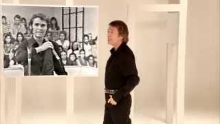 Raphael presentó en 2013 una nueva versión de El Tamborilero, inclu...