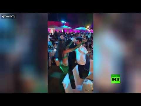 شاهد.. دجوكوفيتش يظهر مع راقصة شرقية و-حد السيف- على رأسه  - نشر قبل 60 دقيقة